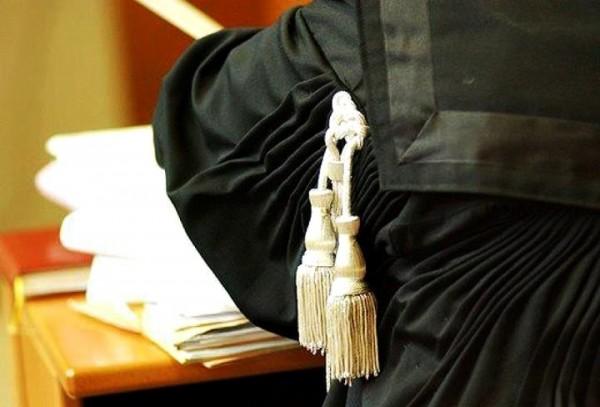 Comunidade Judiciária concentra-se para expressar indignação pela morte da advogada
