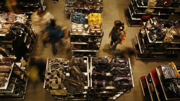 Índice de confiança dos consumidores portugueses subiu no terceiro trimestre