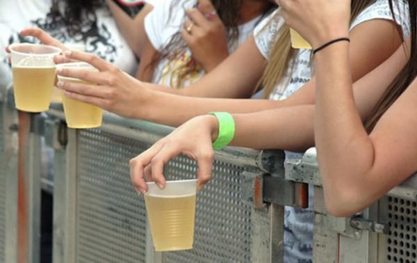Restrições ao consumo de álcool e drogas são insuficientes