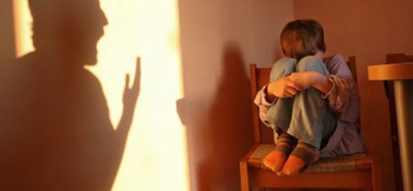 Detenção de indivíduo no Concelho de Évora por maus tratos a menor