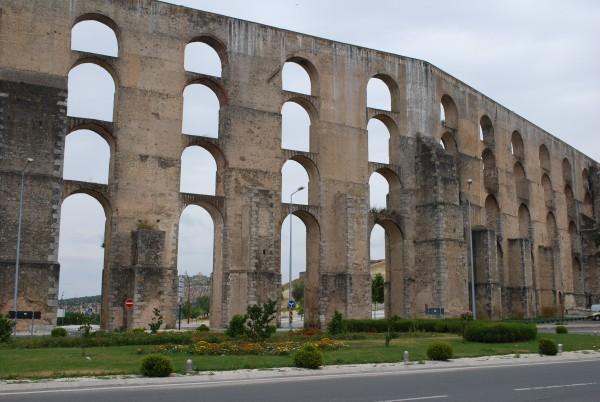 Homem morre após queda do Aqueduto, em Elvas